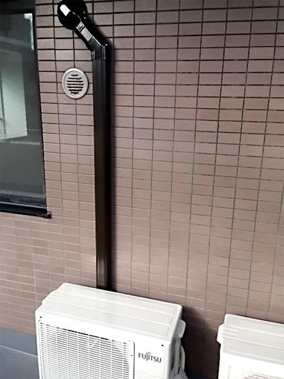 室外機 ベランダ置き 室外化粧カバーあり:富士通 AS-J22B-W×2台 1台目