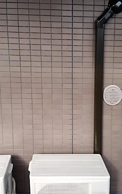 室外機 ベランダ置き 室外化粧カバーあり:富士通 AS-J22B-W×2台 2台目