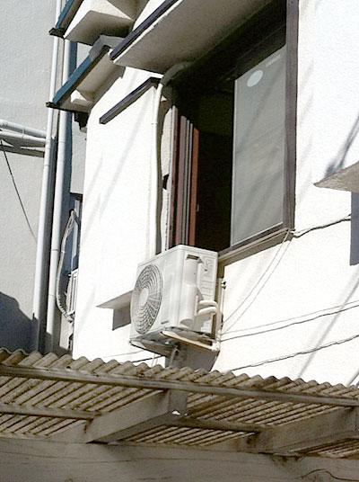 室外機 壁面置き(既存金具を使用):日立 RAS-AJ22C