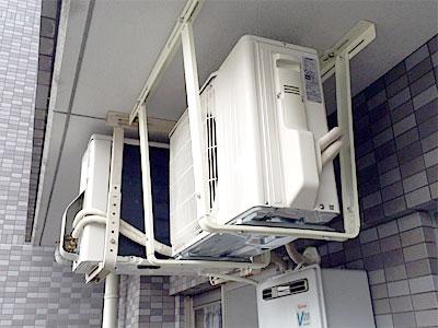 室外機 天井吊り工事で設置(既存の金具を使用):三菱電機 MSZ-W224