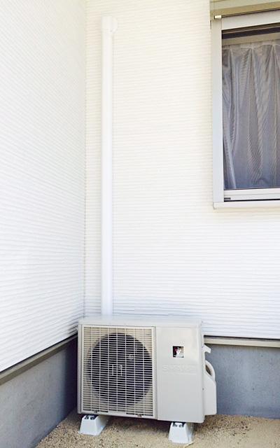 室外機 大地置き 室外化粧カバーあり:シャープ AY-D28DH
