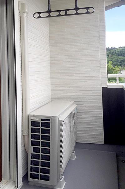 室外機 ベランダ置き 室外化粧カバーあり:ダイキン うるさら7 S36TTRXS-W