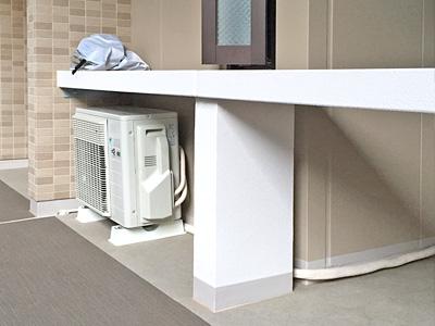 室外機 共有廊下に設置:ダイキン S22STAXS