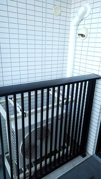 室外機 二段置き 室外化粧カバーあり:東芝 大清快 RAS-E225R