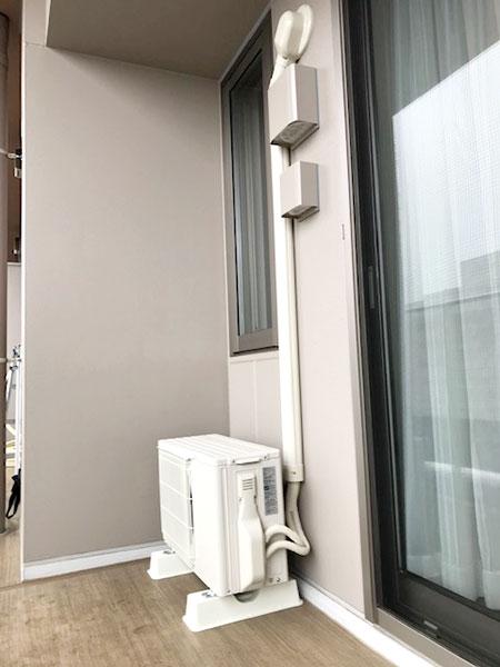 室外機 ベランダ置き 室外化粧カバーあり:三菱 霧ヶ峰 MSZ-GV3619