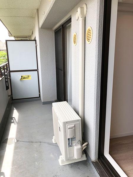 室外機 ベランダ置き 室外化粧カバーあり:シャープ AY-L28DH