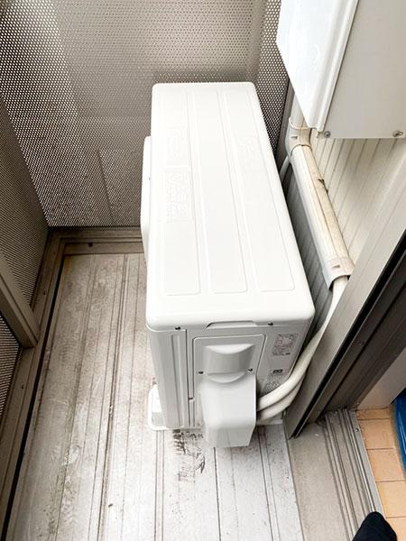 室外機 ベランダ置き 室外化粧カバーあり:東芝 RAS-2510TS