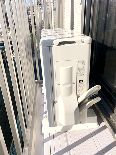 室外機 ベランダ置き 室外化粧カバーあり:東芝 RAS-2210TS