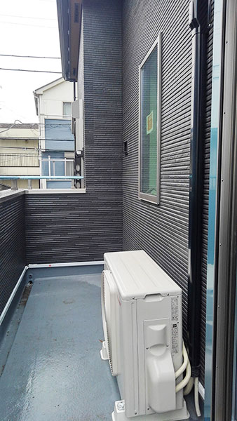 室外機 ベランダ置き 室外化粧カバーあり:東芝 大清快 RAS-G221D
