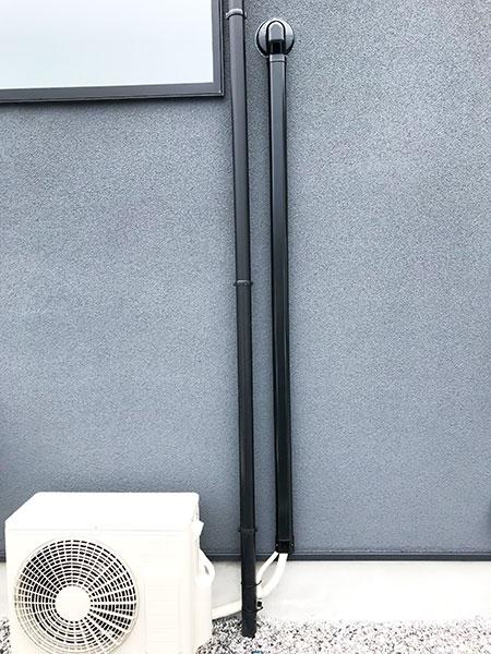 室外機 大地置き 室外化粧カバーあり:日立 白くまくん RAS-AJ22K
