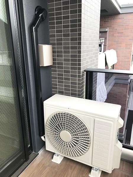 室外機 ベランダ置き 室外化粧カバーあり:日立 ステンレス・クリーン 白くまくん RAS-X40J2